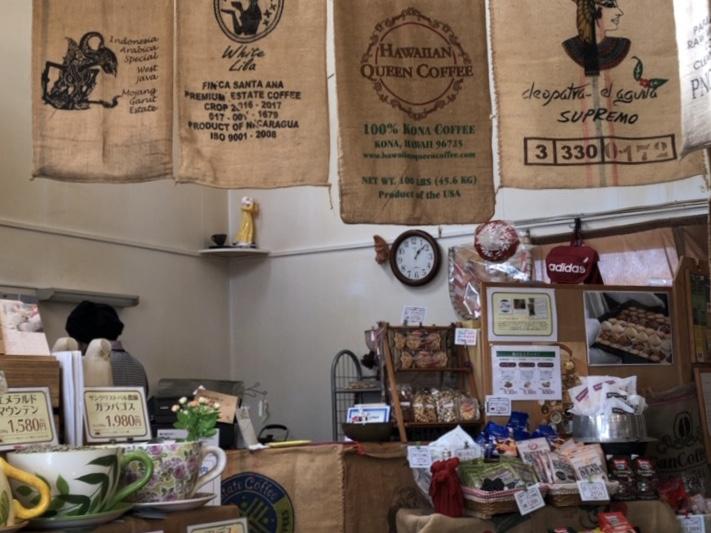 豆工房コーヒーロースト犬山店の店内