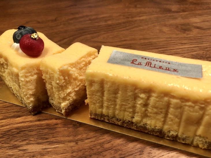 Patisserie La Mieux(パティスリーラミウ)のベイクドチーズケーキ