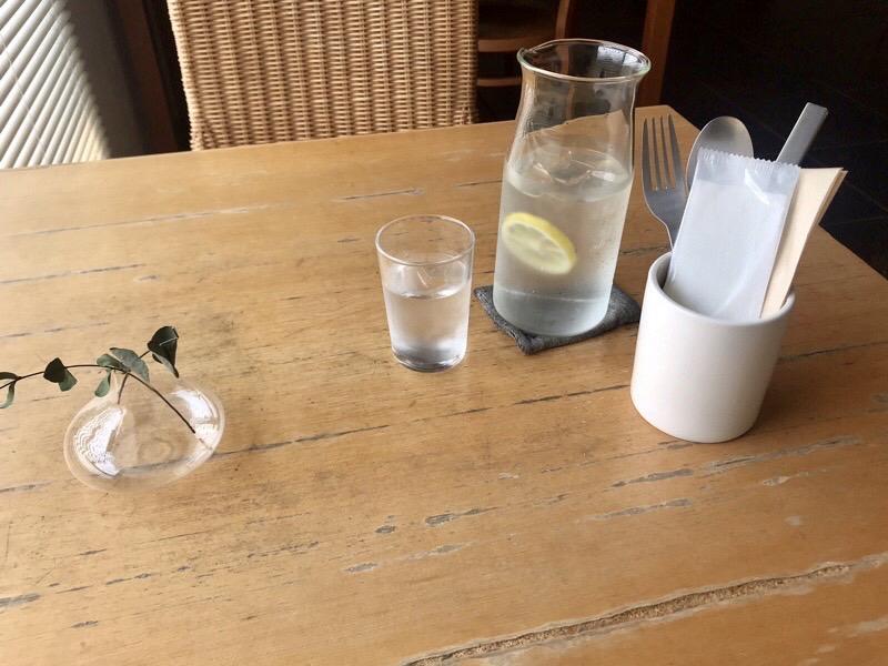 カーレのテーブル