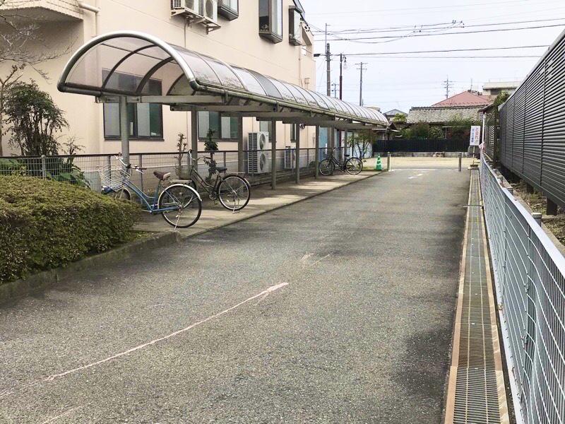 犬山図書館 駐輪場