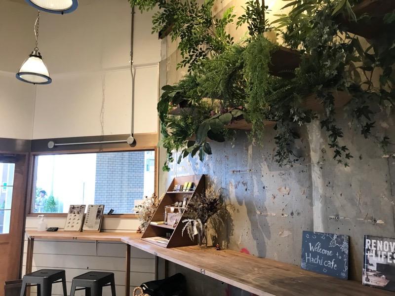 ハチカフェ 店内1