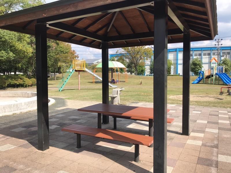 山の田公園 休憩スペース