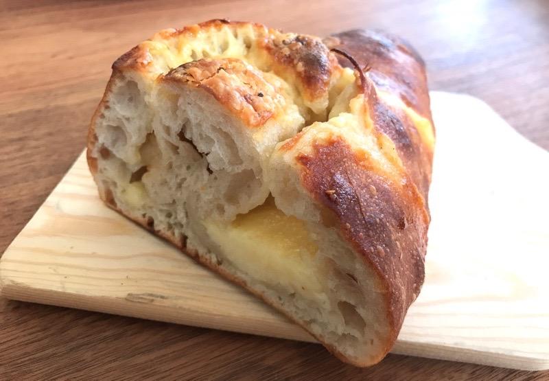 扶桑 犬山 ハード系 パン 二兎13 フロマージュ ハーフ チーズ