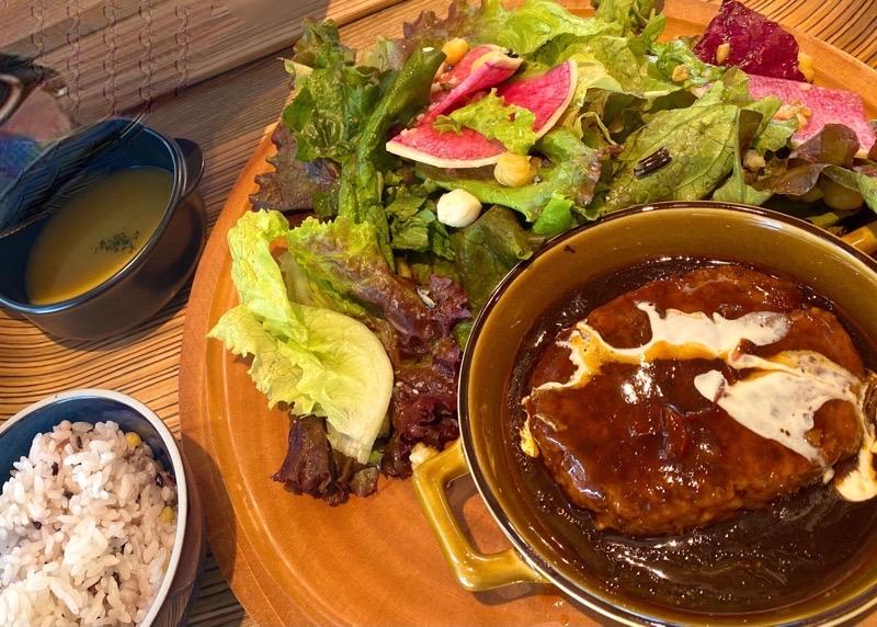 犬山 ランチ カフェオムレット21 ハンバーグ サラダ