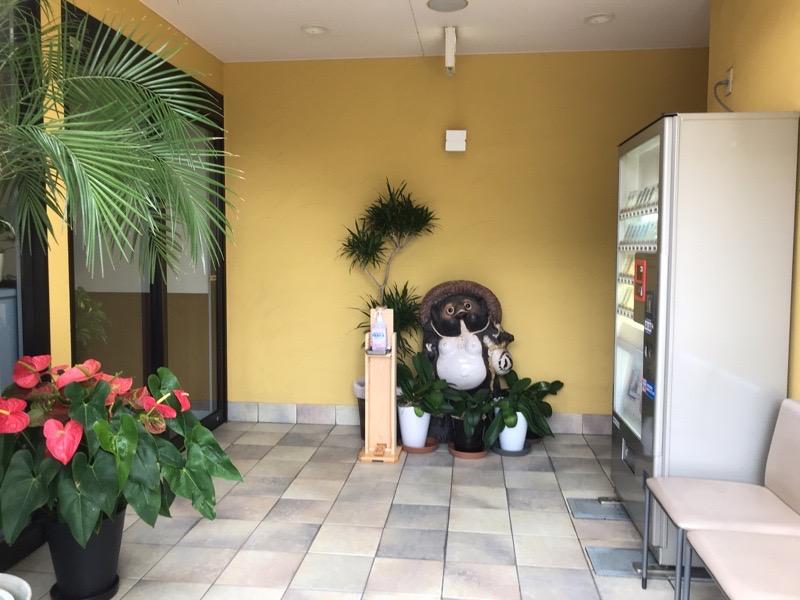 犬山 トミー 和食ランチ 入口