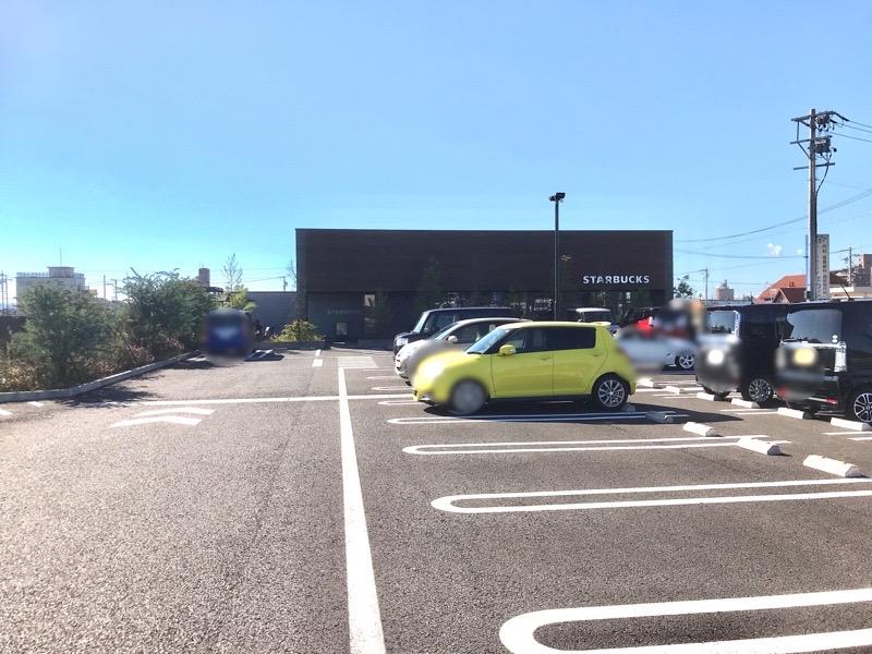 スタバ 犬山 駐車場